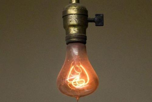 لامپی که ۱۱۸ سال روشن